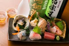 宮城県産の食材を中心に、季節の料理にこだわった、お持てなし、接待にもご利用可能な人気のコースです。