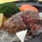 溢れる肉汁がたまらない『米沢牛100%ハンバーグ』
