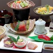 9品の料理とリーズナブルな価格が魅力のコース。旬の味覚を味わいながら、ゆったりとしたひとときを。