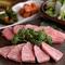 じっくりと焼き上げた良質のお肉を味わい尽くす