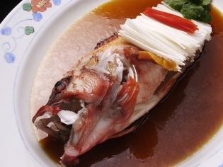 瑞々しい旬の食材を使い、滋味に富んだ料理をつくります