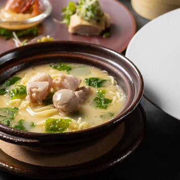 【12/7~3/31】高級食材を味わう漢方和牛の薬膳コラーゲン火鍋