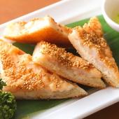 もうちょっと食べたい…そんな時には人気の 『海老トースト』