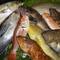 毎朝漁港から直送される、北陸で獲れた新鮮な魚介類