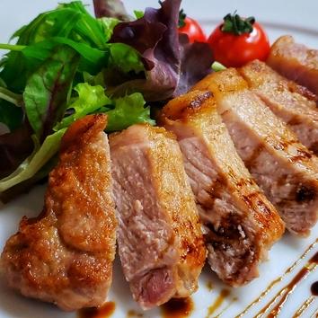 肉づくし・肉バルコース メインは肉3種盛り合わせ 2.5h飲放題付
