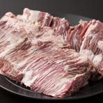 牛肉・鶏肉・豚肉、全ての仕入れに料理人のこだわり