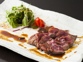 肉の状態に合わせ焼き方を変える『佐賀牛 サガリステーキ』