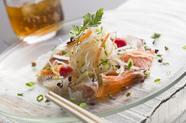 『自家製スモークサーモンと白身魚のカルパッチョ』
