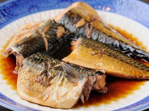 しょう油のあじがよく浸み込んだほっとする味の『鯖煮付け』