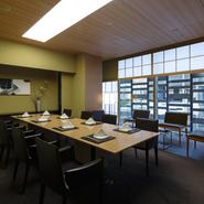 立地も良い日本料理「水簾」の極上のお食事、お酒、しつらえにこだわったお部屋、そして「ザ・キャピトルホテル 東急」の行き届いたおもてなしを、ビジネスを円滑に進めるエッセンスとしてご活用ください。
