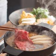 ※すき焼きは個室でのご利用にて承るため、別途個室料金を頂戴しております。