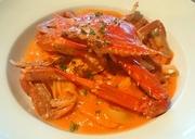 渡り蟹のエキスが溶け込んだまろやかなトマトソースがあとを引く美味しさ。人気の定番メニューです。