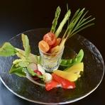 四季折々の新鮮な野菜をたっぷりと『10種バーニャカウダ』