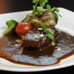 やわらかくて美味『じっくり煮込んだ和牛ほほ肉シチュー』