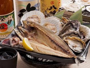 新鮮な魚介を好みの焼き加減で楽しめる『新鮮浜焼』