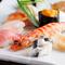 お口の中でとろけるような美味しさ『おまかせ握り寿司十貫』