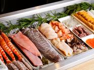 彩り鮮やかな旬の魚介をたっぷりと堪能『お造り五種盛』