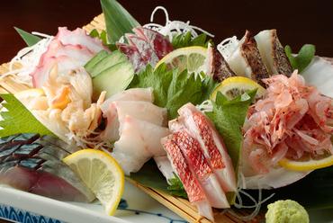 朝獲れ鮮魚盛り合わせ【7種盛り】