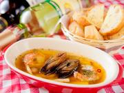 イタリアンの定番料理にオリジナルの味をプラス。バケットにたっぷりとのせてどうぞ。