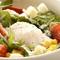 野菜やご飯など、一品料理も、多彩に充実しています