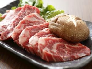 肉の状態に合わせて熟成させた『上カルビ』