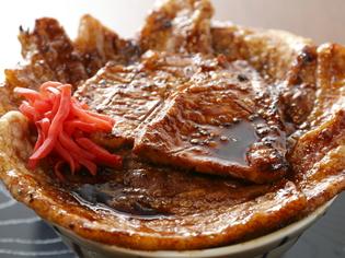 佐々木種畜牧場の『特製炭火焼豚丼 特上』