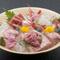 地元食材にこだわった新鮮魚介を、見た目にも鮮やかな盛り付けで