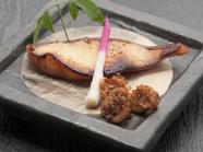 柚庵(酒、みりん、醤油)でつけた『銀ダラの柚庵焼き』