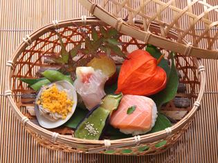 鮮魚を使った、おつくりや押し寿司を始めとした『会席料理』