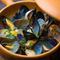 濃厚な宮古産を使用『三陸のムール貝とアサリの白ワイン蒸し』