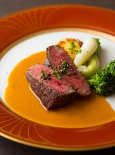 新潟県産和牛モモ肉のステーキ ポルトソース