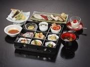日本料理 向志満 山茶花