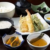 海の幸を贅沢に『とろろ海鮮丼御膳』
