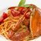 一匹まるごとのいただける『ワタリガニのトマトソースパスタ』