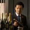 """専属の""""シニアソムリエ""""が常駐。良いワインをご紹介します"""