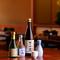 繊細な味わいの料理に寄り添う銘酒に常連客も目を細める