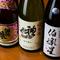 4代目が厳選した日本酒が馬肉料理を引き立てる