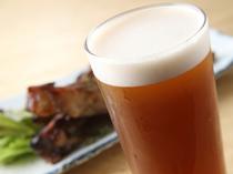 少しく黒みがかった生ビール『タチバナアンバー』