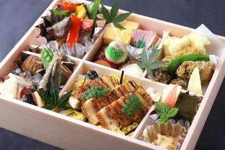 広島食材を堪能できる「安芸の彩り弁当」