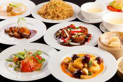 北京ダック、極上フカヒレスープなど贅沢食材をふんだんの使ったお料理、プレミアムモルツが飲み放題!