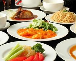 予算はリーズナブルで、点心をメインにお料理も楽しめる欲張りコース。