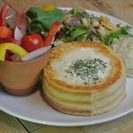 器がフレンチトースト!冬野菜とこだわり3種チーズのフォンデュフレンチトースト(12月上旬)