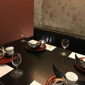 半個室でのテーブル席