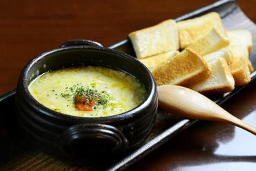 お店イチオシ『チーズたっぷり豆乳仕立のシチューフォンデュ』