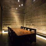天井までの高さを活かした開放感のある個室