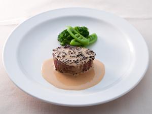 和牛フィレ肉のシンプルグリル 又は 色々なソースで