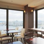 街中で楽しむ天空レストラン。広がる絶景に癒される至福のとき