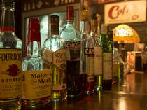 ウイスキー、カクテルの他、ワインの種類もそろっています
