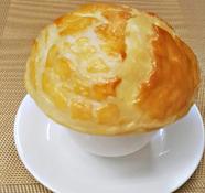 フカヒレのパイ包みスープ