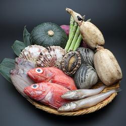 鮮魚のお造り、炭火焼き魚介1尾、仙台牛サーロインなど贅沢に! ◎予約のみ、2名様から承ります。